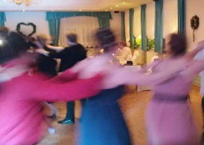 polonäse menschen feiern